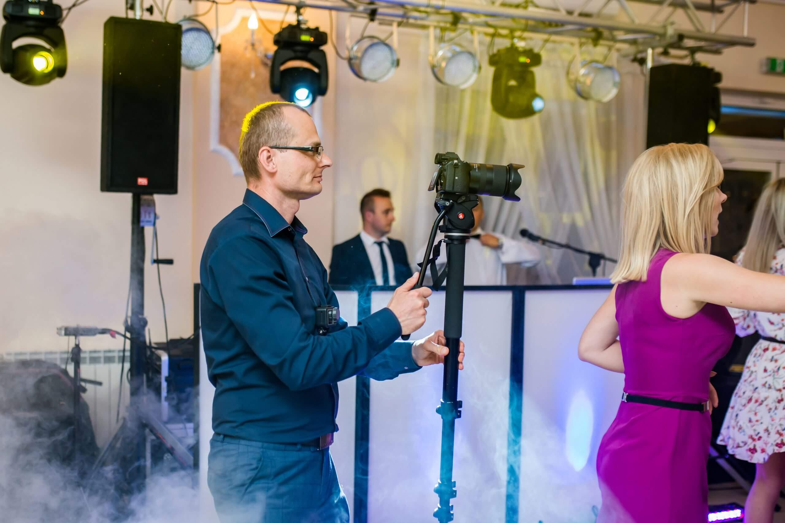 Jak wybrać fotografa i kamerzystę na swoje wesele
